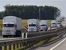 Kolona 280 n�kladn�ch automobil� s humanit�rn� pomoc� pro v�chodn� Ukrajinu u...