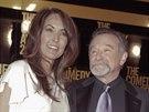 Robin Williams s man�elkou Susan Schneiderovou na p�ed�v�n� cen Comedy Awards...