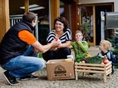 Kromě zeleniny a ovoce dodává firma zákazníkům i další potraviny.