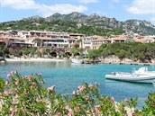 Porto Cervo patří mezi vyhlášená místa mezi evropskou smetánkou