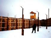 Velká �ást d�je knihy V �edých tónech se odehrává v sov�tském gulagu.