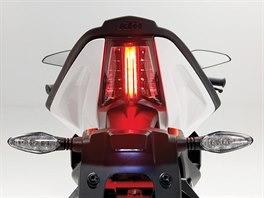 Zadní LED světlo by mohly závidět i velké stroje.