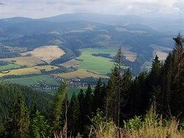 Vikartovce v údolí Hornádu a vrcholu Kráľova hoľa