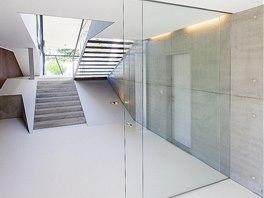 V domě bylo použito ve výrazné míře sklo.