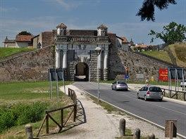 Příjezd do Palmanovy je impozantní (Porta Cividale)