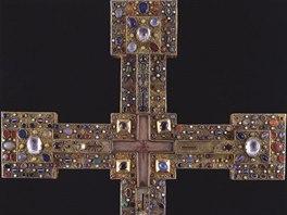 Výstava Otevři zahradu rajskou představí i kříž královny Adelheidy (1141–1170)...