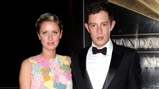 Nicky Hiltonov� a James Rothschild (New York, 10. dubna 2013)