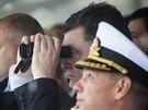 Ukrajinský prezident Petro Porošenko sleduje vojenskou přehlídku v centru...
