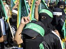 Maskovan� �lenov� Hamasu v Raf�hu (17. srpna 2014).