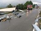 Převrácený kamion zablokoval rychlostní silnici R35 mezi Mohelnicí a Olomoucí...