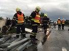 P�evr�cen� kamion zablokoval rychlostn� silnici R35 mezi Mohelnic� a Olomouc�...