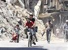 Poničené domy na předměstí Damašku (25. srpna 2014)