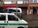 V tomto domě v ulici Na záhonech v pražské Michli polil neznámý útočník ženu...