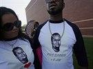 V americkém St. Louis se lidé loučili s černošským mladíkem Michaelem Brownem...