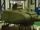 Věž tanku v průběhu restaurování.