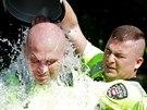 Brněnská městská policie a hasiči se přidali k výzvě Ice Bucket Challenge. Hned...