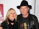 Neil Young s manželkou Pegi (leden 2014)