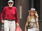 Sean Connery s man�ellkou Micheline Roquerbruneovou vyrazili na n�kupy (srpen...