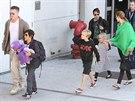 Brad Pitt a Angelinou Jolie a jejich šesti dětmi