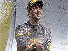 EUFORIE. Daniel Ricciardo po vítězství ve Velké ceně Belgie formule 1.