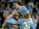 Fotbalisté Malmö se radují z postupu do hlavní fáze Ligy mistrů.