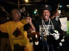 �tern� protesty proti zabit� neozbrojen�ho �erno�sk�ho mlad�ka ve Fergusonu se...