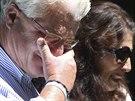 Rodiče zavražděného vojáka Jamese Foleyho před svým domem ve středu 20. srpna...