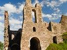 Z�ícenina hradu Pot�tejn
