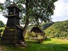 Chalupa se zvoni�kou u hradu Litice