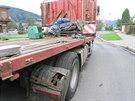 Z brzd�c�ho kamionu spadly v Jesen�ku p�ev�en� hydraulick� n�ky p��mo na...
