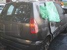 Audi A4 zaparkované v olomoucké Stiborově ulici se stalo cílem žháře, odnesla...