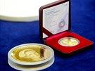Na trh uvede mincovna tis�c kus� st��brn� uncov� medaile, 250 kus� se pak...