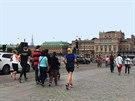 Proplétání se mezi turisty patří k základním dovednostem švédského běžce