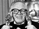 Richard Attenborough získal v roce 1983 dva Oscary za film Gándhí.