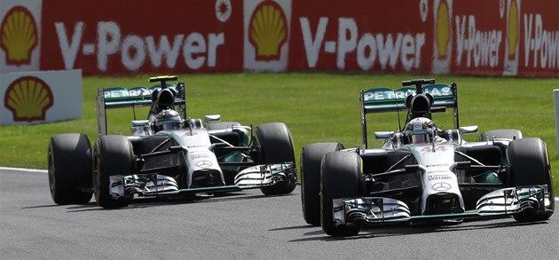 V �ELE. Lewis Hamilton a Nico Rosberg ve Velké cen� Belgie formule 1.