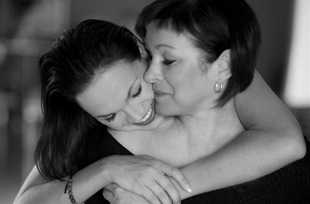 RODINA POD LUPOU: Kamila Nývltová s maminkou Ivetou