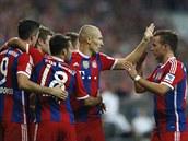 Fotbalisté Bayernu Mnichov Lewandowski, Müller, Bernat, Robben a Goetze slaví...