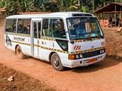Toulavý autobus už vyjíždí do záchranných center víc než rok a půl a reakce na...