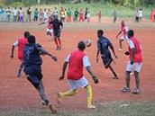 Fotbal je pro místní naprosté maximum.