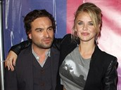 Johnny Galecki s Kelli Garnerovou