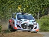 Thierry Neuville a jeho navigátor Nicolas Gilsoul na trati  Německé rallye.