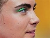 Topmodelka Cara Delevingne na přehlídce podzimní kolekce Chanel ukázala trend...