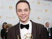 Jim Parsons získal za roli geniálního v�dce Sheldona Coopera v seriálu Teorie...