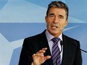 �éf NATO Anders Fogh Rasmussen na tiskové konferenci v sídlu Aliance v Bruselu...
