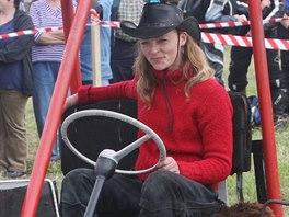 Eva Burdová z Březové-Leskovce byla jedinou ženou mezi mužskými jezdci....