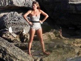 Kate Mossová v plavkách
