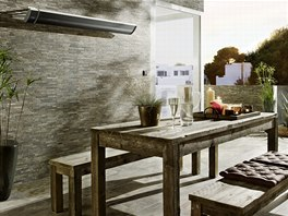 Jeden zářič pokryje plochu odpovídající stolu pro 8 až 10 osob.