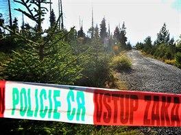 Do okolí Březníku, kam se letadlo zřítilo, policie nikoho nepouští. (24. srpna...