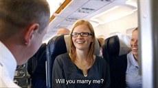 Belgi�an p�ekvapil p��telkyni ne�ekanou svatbou v letadle
