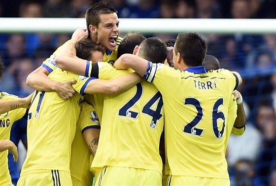 RYCHL� N�STUP. Fotbalist� Chelsea vedli na h�i�ti Evertonu u� ve 4. minut� 2:0.